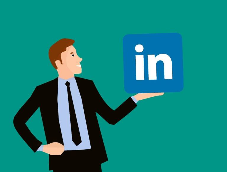 LinkedIn testa le Storie come Facebook e Instagram