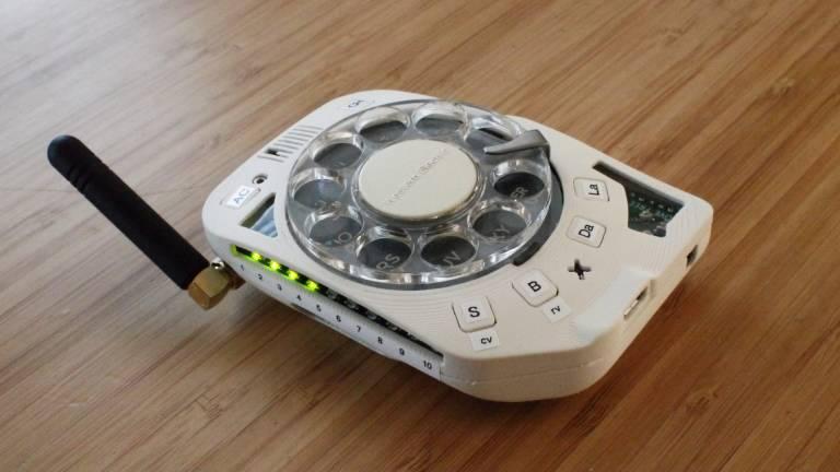 Rotary Cellphone è un tuffo nel passato: cellulare con disco rotante per i numeri