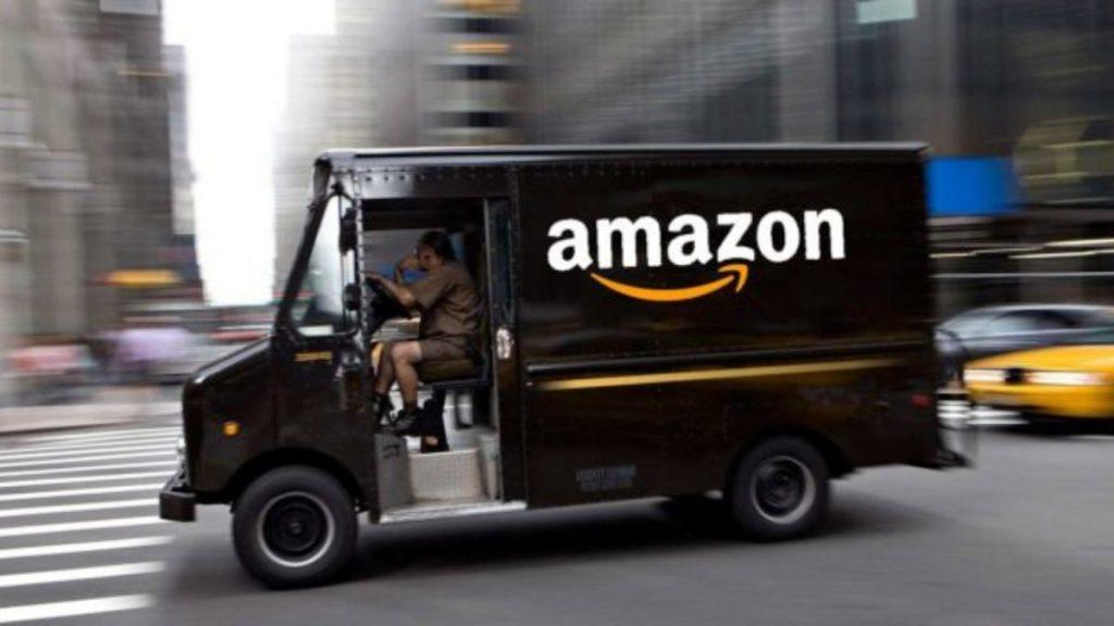 Amazon down, problemi di accesso sia dal sito che da app