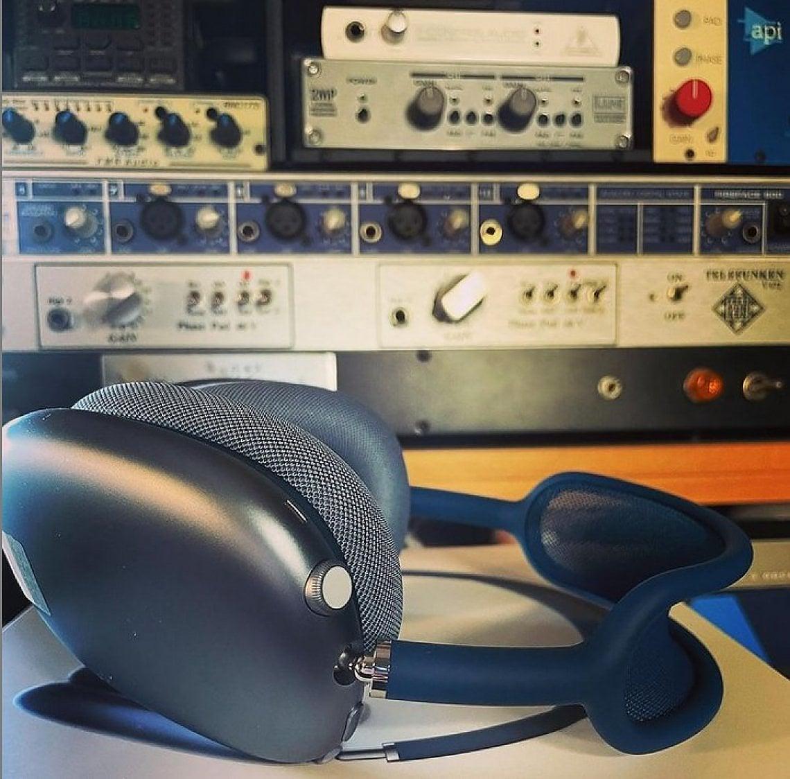 """Apple AirPods Max,la prova: cuffie wireless spaziali per musica, film e audio """"pro"""""""