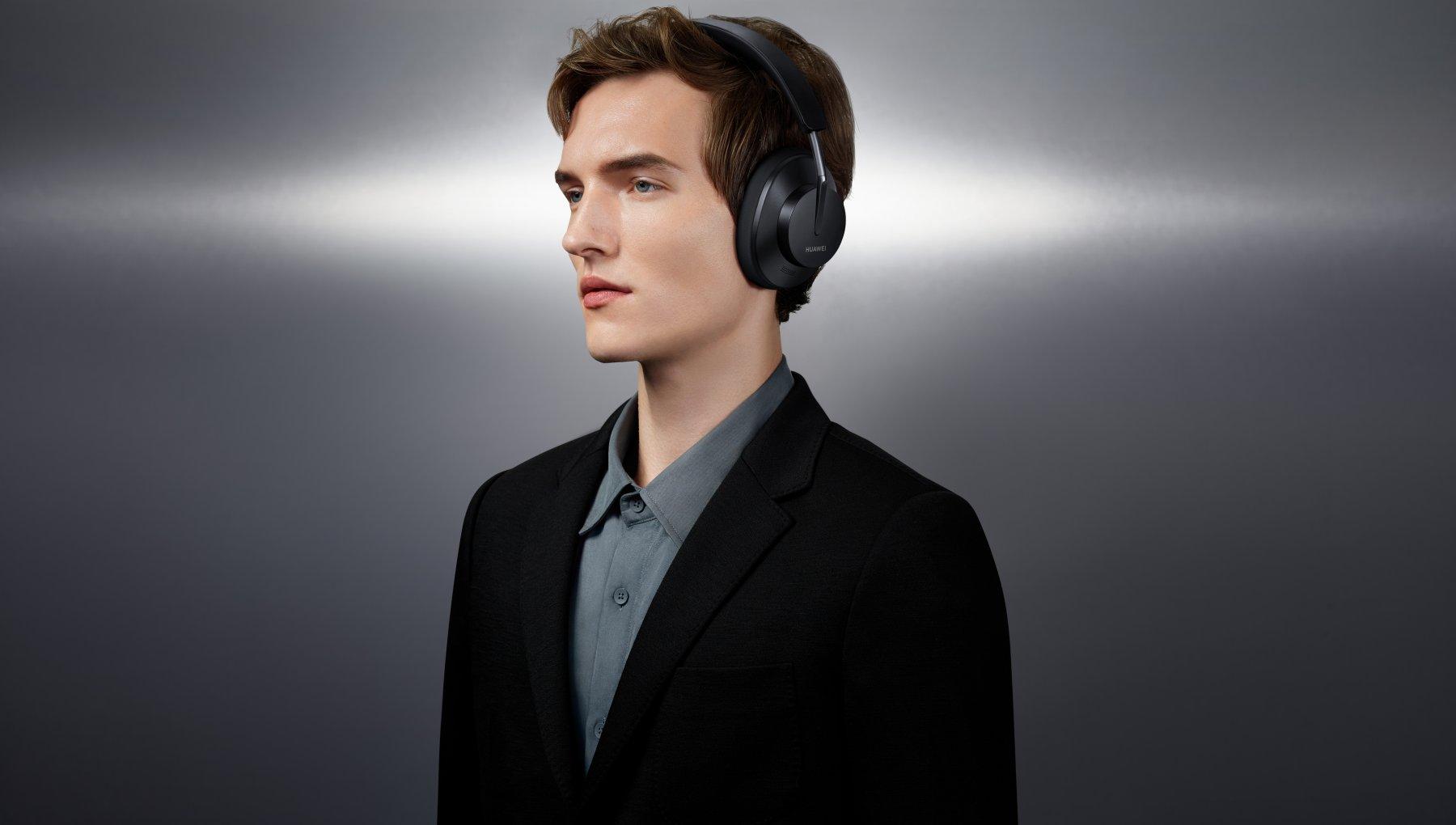 Huawei FreeBuds Studio, cuffie over-ear con un grande touch