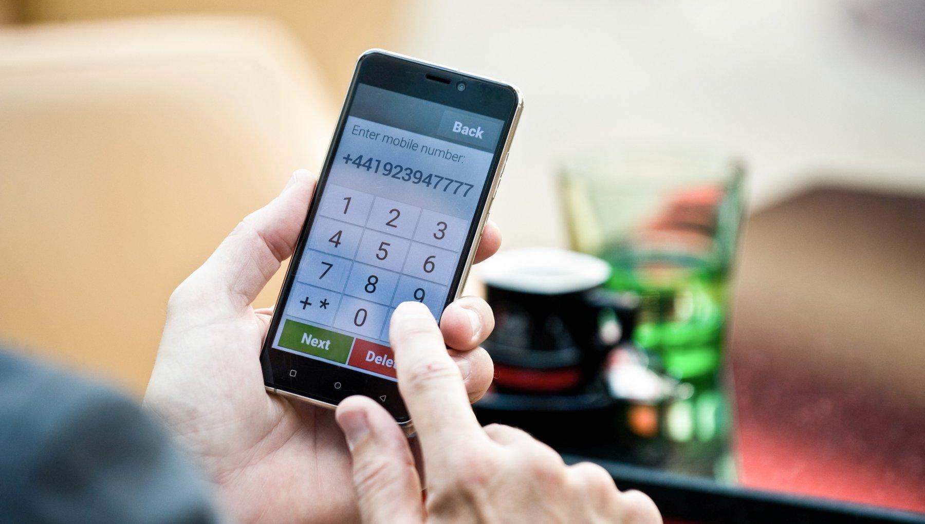 Gli smartphone di Emporia tornano in Italia. E i senior sono sempre più digitalizzati